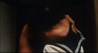 小島聖の『完全なる飼育』でのヌード濡れ場動画